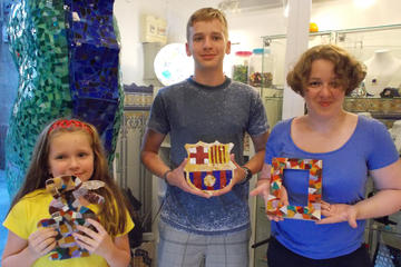 Gaudi Tour and Local Art Workshop in Barcelona
