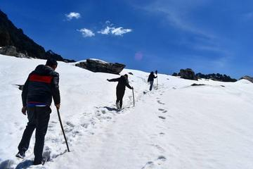 Winter Snow Trek in Himalayas in Tirthan Valley