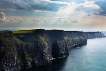 Cliffs of Moher, Doolin und Galway Bay-Küstenfahrt ab Dublin