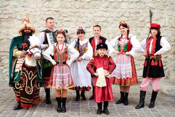 Polnische Folklore-Vorstellung mit Abendessen in Krakau