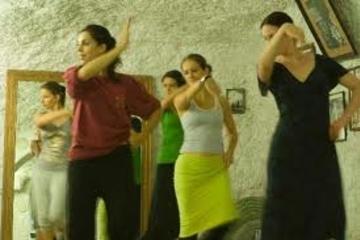 Tour privada: aula de dança flamenca em uma cava Sacromonte em Granada
