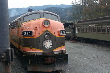 Oregon Coast Scenic Railroad And Coastal Tour