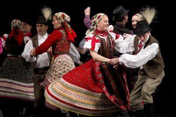 Actuaciones del Hungarian State Folk Ensemble en Budapest