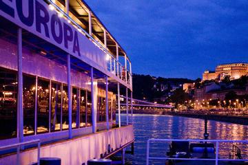 Budapest Bootstour an Heiligabend mit Abendessen und Live-Musik