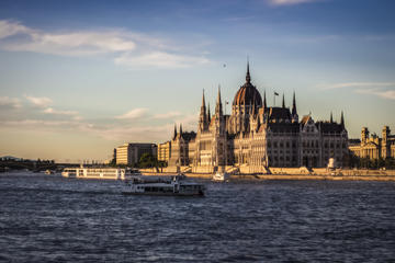 Budapest Danube River Dinner & Cruise from 7 pm