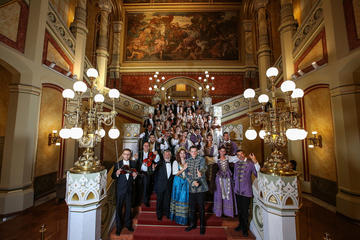 Concert met cimbalom door het Donau ...