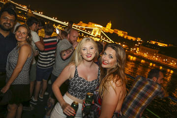 Crociera sul Danubio con festa e giro facoltativo dei pub in partenza