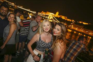 Croisière festive sur le Danube avec option de tournée des pubs de...