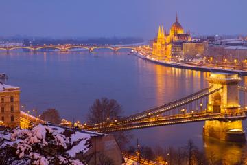 Cruzeiro de Véspera de Natal em Budapeste com jantar e música ao vivo