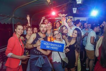 Donau-feestcruise met optionele kroegentocht vanuit Boedapest