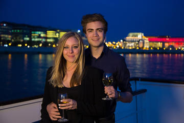 Paquete romántico en Budapest: Gellért Spa con crucero con cena por...