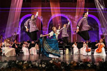 Súper oferta en Budapest: entrada privada al Spa Gellert y concierto...