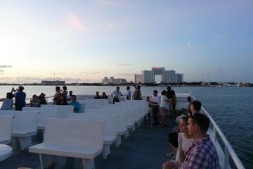 Crucero por la bahía de bienvenida en Cancún