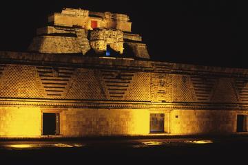 Espectáculo de luz y sonido de Uxmal desde Mérida