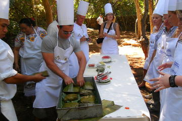 Mayan Life and Culture Experience: Chichen Itza Ruins, Cooking Class and Maya Traditions