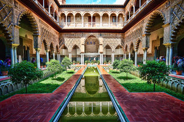 Seville Guided Tour into Alcazar