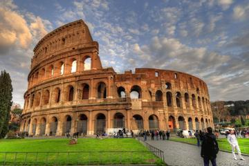 2-in-1 Tour of the Colosseum and Illuminated Rome