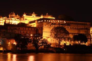Amber Fort Light and Sound Show with Dinner and Private Transport in...