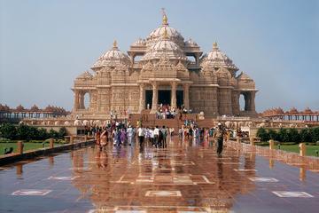 Excursão privada: Templo de Akshardham e locais espirituais de Delhi...