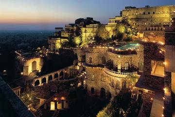 Private 8-Day Rajasthan Tour from Delhi Including Udaipur, Neemrana and Lake Pichola