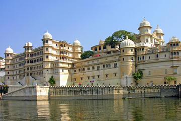 Private Custom Tour: Udaipur Sightseeing with Guide