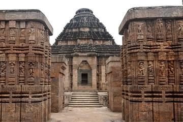 Private Tour: Konark Sun Temple and Pipli Village Day Tour from Bhubaneswar