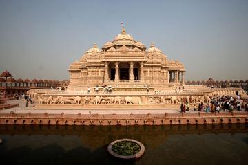 Recorrido privado: Templo de Akshardham y lugares de espirituales del...