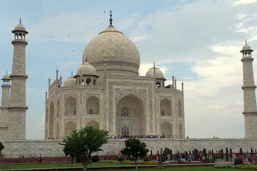Visite privée d'Agra sur deux jours, comprenant le Taj Mahal...