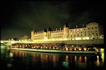 Kryssning på Seine: Sightseeingkryssning med Bateaux Parisiens med ...