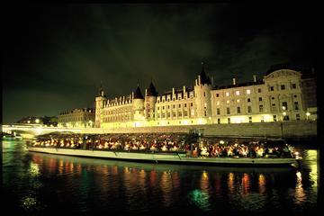 Sejltur på Seinen: Sightseeingtur med Bateaux Parisiens med middag og...