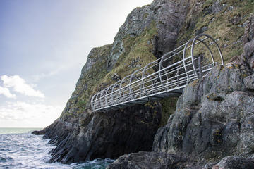 The Gobbins Cliff Walk and Belfast Tour