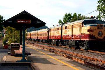 Excursão de trem Napa Valley Wine com almoço gourmet e transporte...