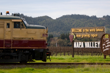 Napa Valley Wine Train con almuerzo gourmet, cata de vinos y...