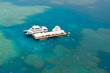 Cruzeiro da Grande Barreira de Corais saindo de Cairns