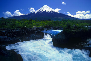 Volcán Osorno y cataratas Petrohue...