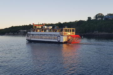 Book Historic Harbour Cruise on Viator