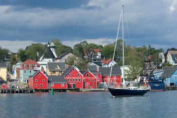 Lunenburg and Mahone Bay- Bus Tour