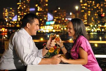 Crucero con cena y baile en Toronto