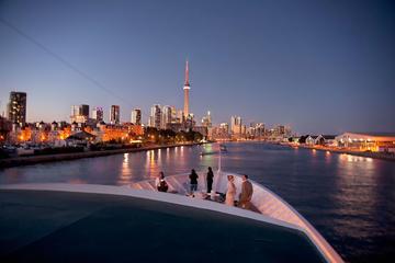 Cruzeiro de jantar e dançante em Toronto