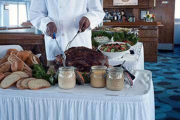 Cruzeiro de jantar em Toronto, com bufê de almoço ou brunch