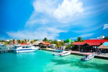 Passeio de balsa só de ida ou ida e volta entre Cancún e a Isla...