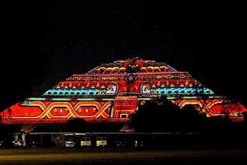 Show de Luz e Som de Teotihuacan com jantar