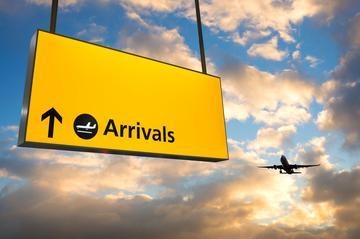 Traslado privado de chegada: do Aeroporto Internacional General...