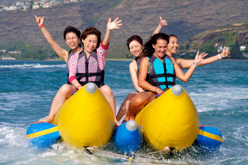Paseo en barco banana en Waikiki