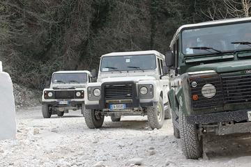 ピサから行くカッラーラ大理石採石場での4輪駆動…