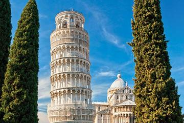 ルッカ、ピサと斜塔へのサン・ジミニャーノからの1日ツアー