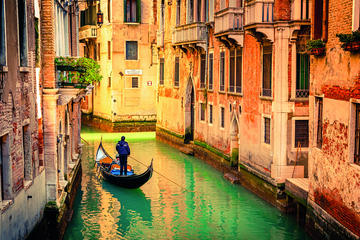 Full day tour to Venice with Gonola Ride