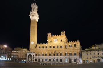 Small-Group Siena by Night Tour Including Italian Dinner