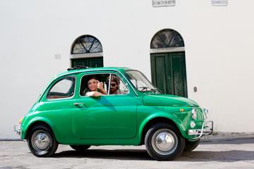 Tour autonomo in Fiat 500 d'epoca da Siena: colline toscane e pranzo