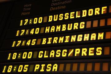Trasferimento di arrivo privato: dall'aeroporto di Pisa all'hotel di